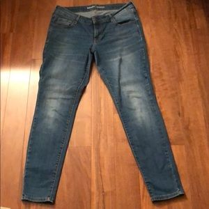 Old Navy Rock Star Size 14 Jeans